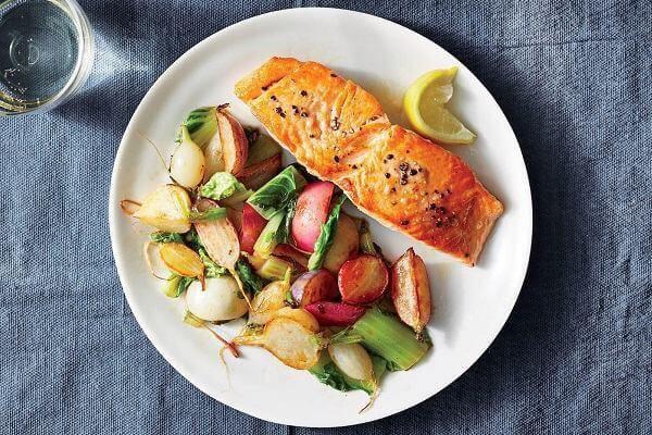Lợi ích của ăn cá và hải sản không như chúng ta nghĩ, nó là hoa hồng có gai - Ảnh 1.