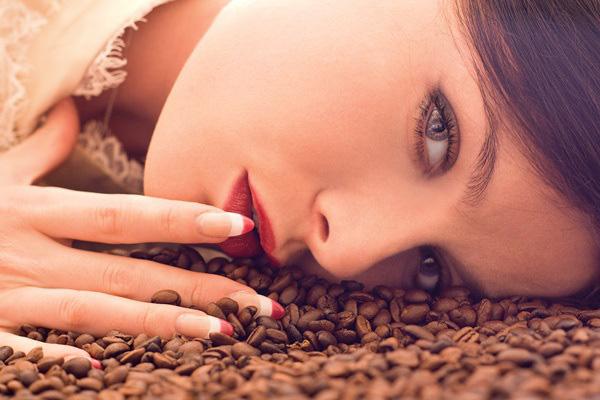 Pha cà phê xong đừng vội đổ bã vào thùng rác, những công dụng không tưởng của nó sẽ khiến bạn cực kì thích thú - Ảnh 5.