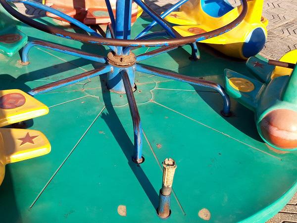 Hà Nội: Những bẫy trò chơi nguy hiểm ở sân trường, khu vui chơi trẻ em - Ảnh 9.