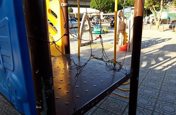 Hà Nội: Những bẫy trò chơi nguy hiểm ở sân trường, khu vui chơi trẻ em - Ảnh 10.