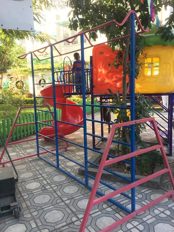 Hà Nội: Những bẫy trò chơi nguy hiểm ở sân trường, khu vui chơi trẻ em - Ảnh 7.