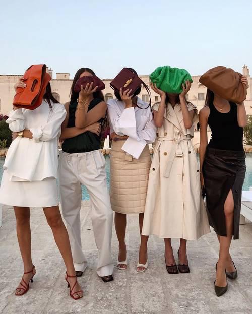 Những thiết kế túi dự đoán sẽ chiếm sóng trong năm mới - Ảnh 2.