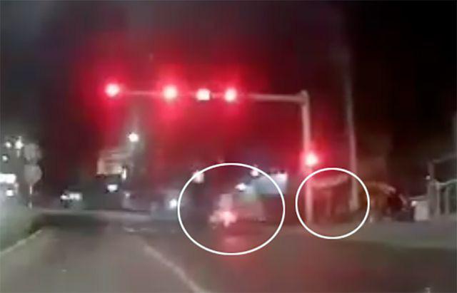Thiếu niên lao xe vào cột đèn tử vong, nghi do bị CSGT truy đuổi - Ảnh 1.