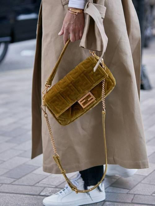 Những thiết kế túi dự đoán sẽ chiếm sóng trong năm mới - Ảnh 6.