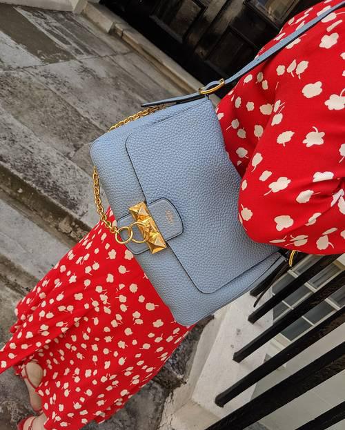 Những thiết kế túi dự đoán sẽ chiếm sóng trong năm mới - Ảnh 7.
