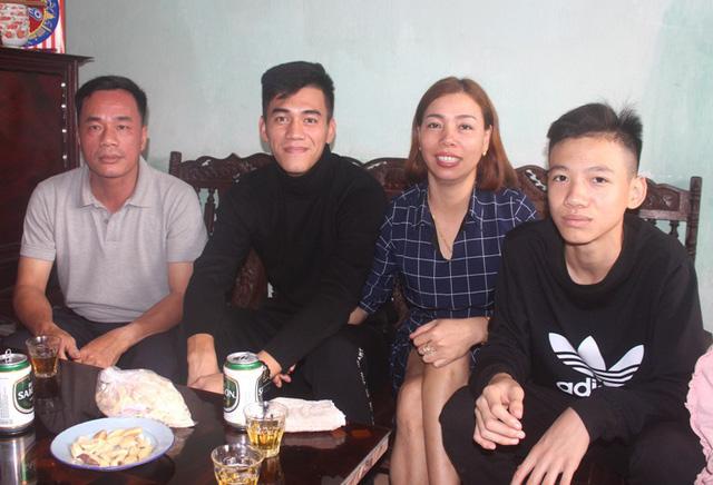 Những câu chuyện ít biết về Tiến Linh - người hùng ghi 2 bàn thắng vào lưới đội tuyển U22 Thái Lan - Ảnh 10.