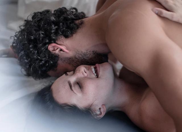 Tâm sự cô gái hoang mang trong mối quan hệ lúc lạnh lúc nóng với sếp - Ảnh 1.
