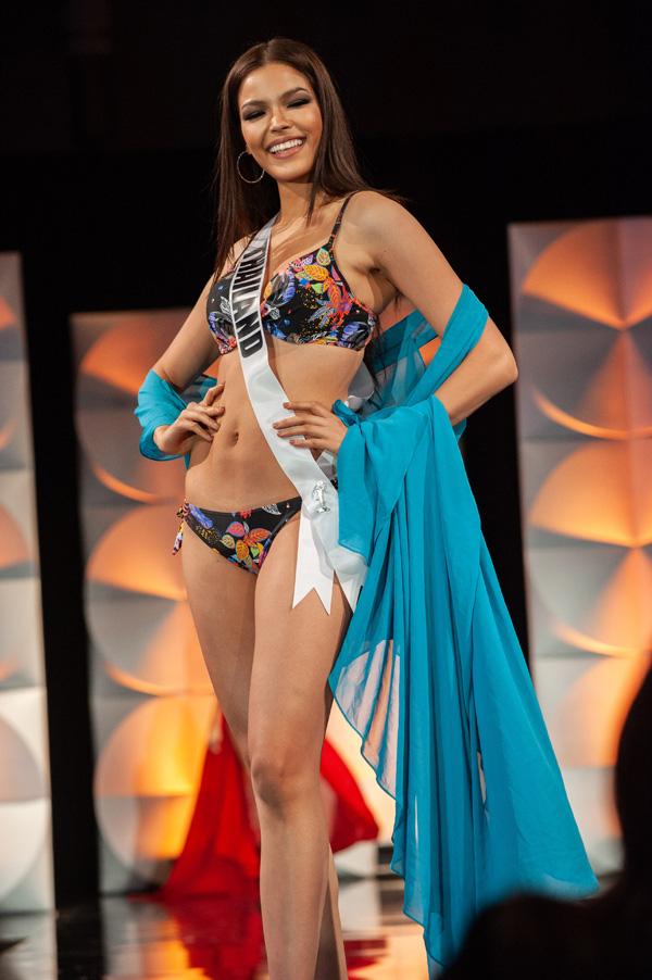 Hoàng Thùy đọ dáng với bikini bên các đối thủ Miss Universe - Ảnh 9.