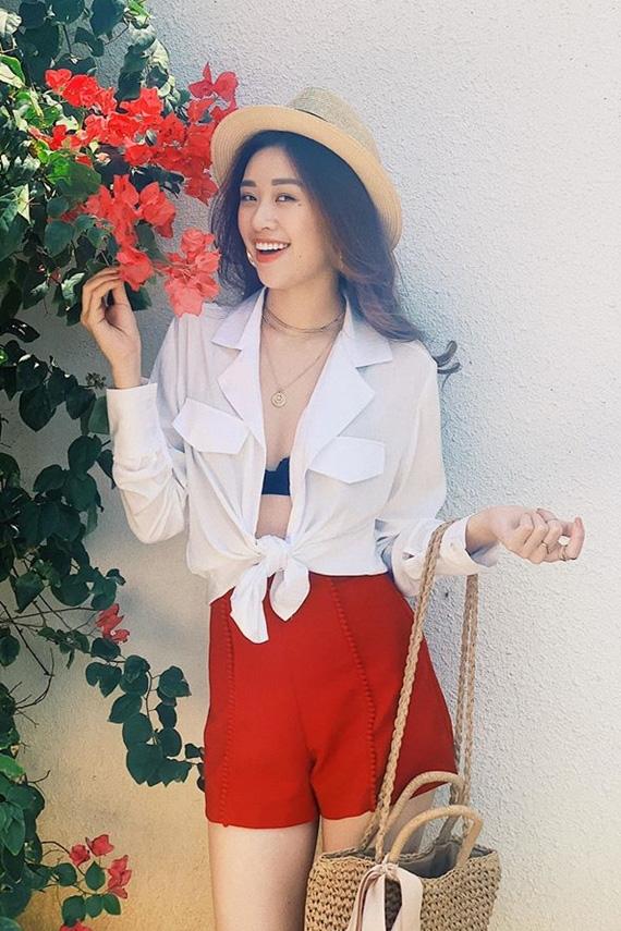 Sở hữu vóc dáng gợi cảm tân Hoa hậu Hoàn vũ Việt Nam 2019 không ngại mặc hở trong đời thường - Ảnh 1.