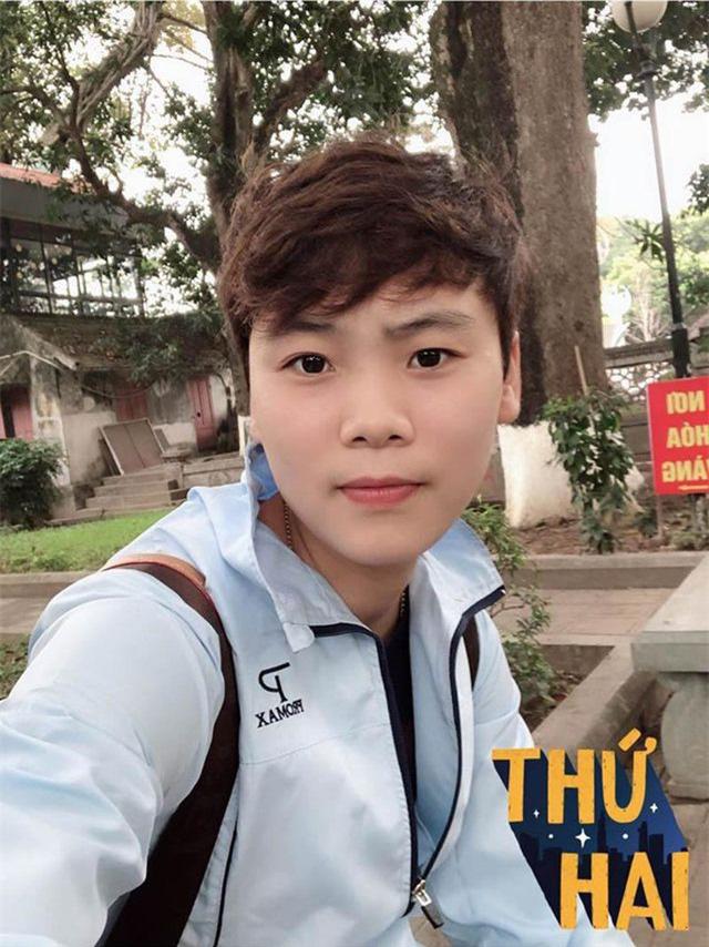 Việc làm đầu tiên của cánh én nhỏ sau khi ghi bàn thắng duy nhất giúp đội tuyển bóng đá nữ Việt Nam đoạt HCV - Ảnh 4.
