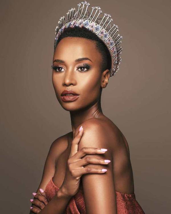 Đường đến vương miện Miss Universe của viên ngọc đen Nam Phi - Ảnh 1.
