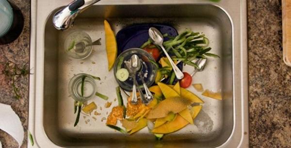 10 thói quen nhà bếp vô tình khiến cả gia đình bệnh tật triền miên - Ảnh 2.