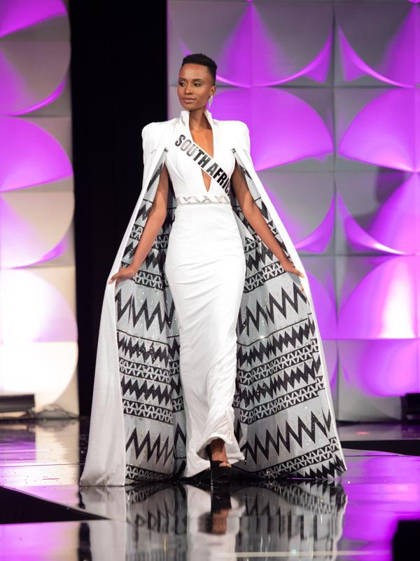 Đường đến vương miện Miss Universe của viên ngọc đen Nam Phi - Ảnh 4.