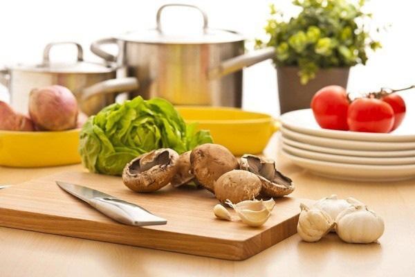 10 thói quen nhà bếp vô tình khiến cả gia đình bệnh tật triền miên - Ảnh 4.