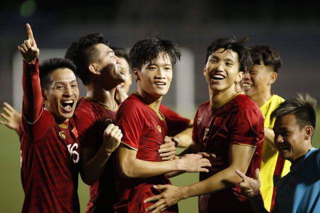 Nhiều hãng hàng không tiếp lửa cho đội tuyển U22 Việt Nam tại trận chung kết Sea Games 30 - Ảnh 1.