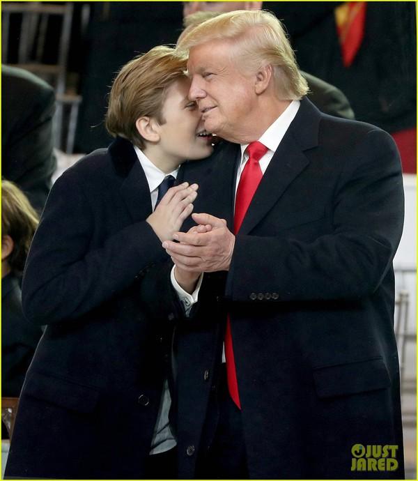 Donald Trump rất cưng chiều con trai út của mình.