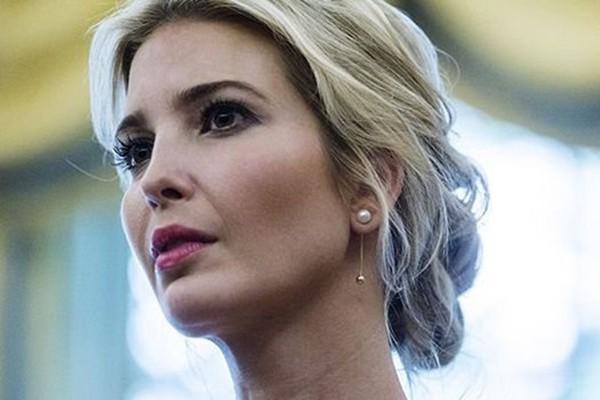 Ivanka Trump là con gái cưng của ông Donald Trump. Cô sinh năm 1981 và sở hữu trong tay khối tài sản khổng lồ. Không chỉ giàu có, quyền lực, Ivanka còn là người đẹp nức danh nước Mỹ.