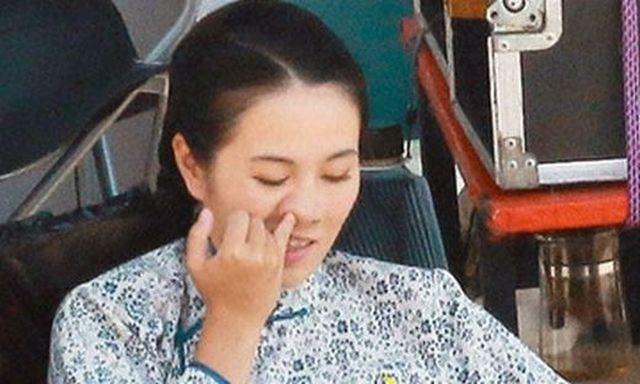 Cô Điền có thói quen ngoáy mũi trong nhiều năm (Ảnh minh họa)
