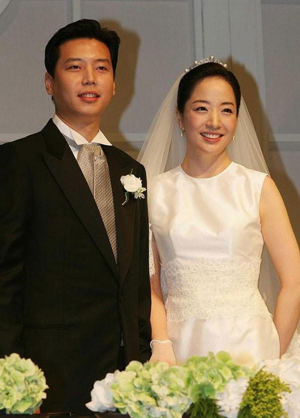 Để làm dâu gia đình quyền thế, Noh Hyun Jung phải tuân theo hàng loạt quy tắc