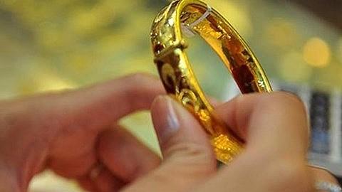 Nhiều người có quan niệm đi mua vàng ngày Thần Tài sẽ mang lại may mắn cho cả năm. Ảnh minh họa