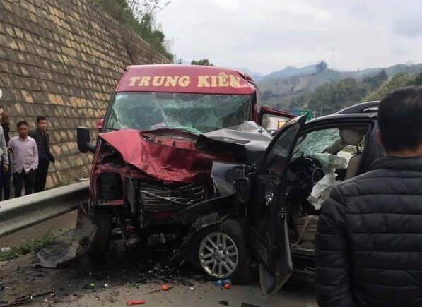 Cơ quan chức năng xác định danh tính 12 nạn nhân thương vong trên cao tốc Hà Nội – Lào Cai.