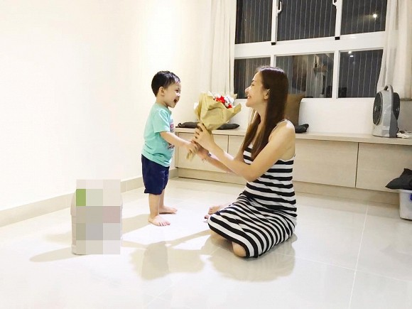 Huỳnh Đông tiết lộ, vợ chồng anh chung sống rất hòa thuận, gần như không có mâu thuẫn gì từ khi cưới đến nay.