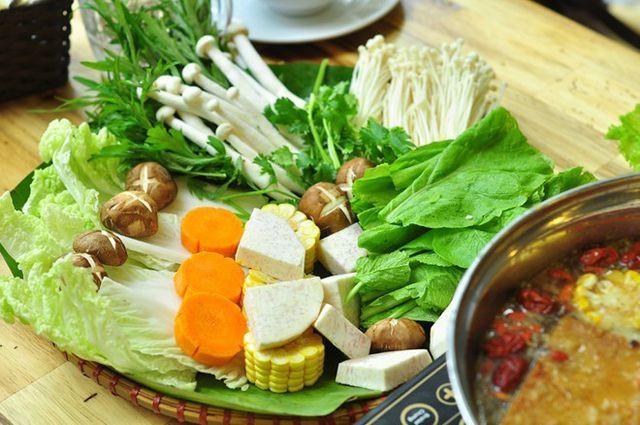 Các loại lẩu với nhiều rau xanh tươi mát được thực khách ưa chuộng. Ảnh Internet