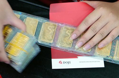 Phiên giao dịch sáng nay 12/2, giá vàng SJC bất ngờ sụt giảm dù ngày Vía Thần Tài đang đến gần (ảnh minh họa).