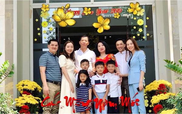 Cường Đô la khoe đại gia đình hạnh phúc.
