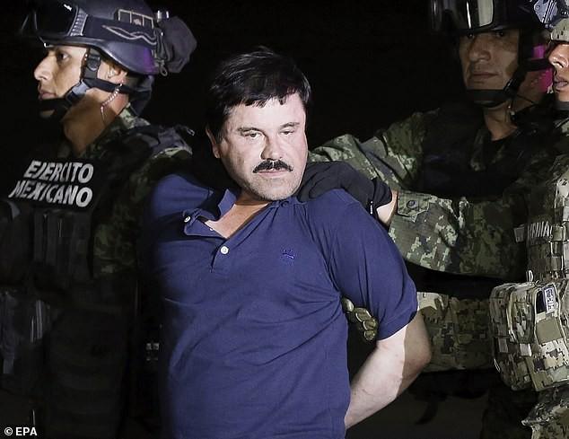 Trùm ma túy El Chapo bị dẫn độ sang Mỹ xét xử vì Mexico không thể giữ được y.