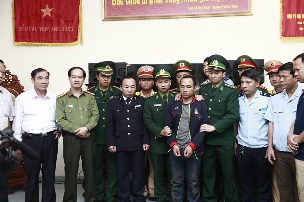 Đối tượng Vangchueyang Briachear bị bắt giữ khi vận chuyển gần 300kg ma túy