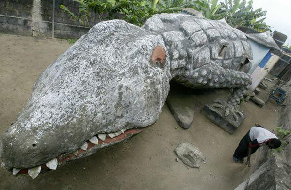 3, Nhà hình cá sấu siêu độc đáo ở Abidjan, Bờ Biển Ngà.