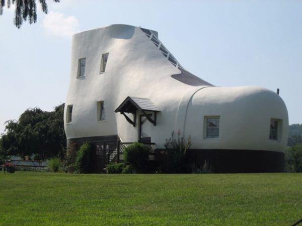 7, Nhà hình chiếc giày ở Mỹ được xây dựng từ năm 1948.