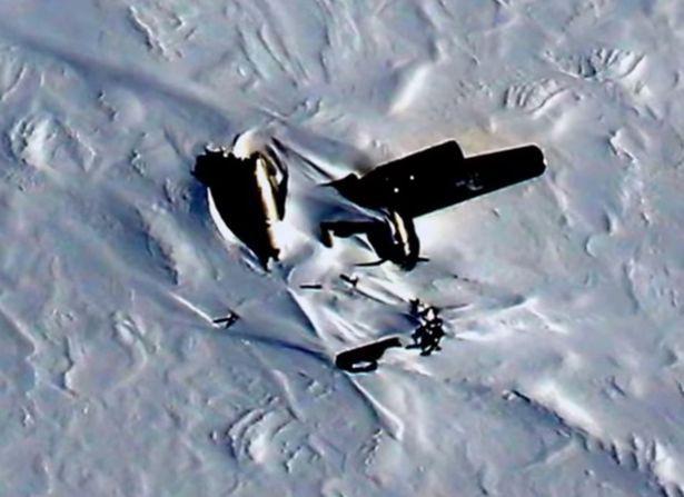 Xác máy bay bí ẩn ở Bắc cực.