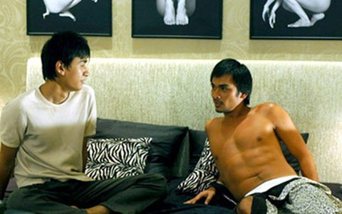 Một cảnh trong phim Trai nhảy nói về mặt trái của những cám dỗ tình dục đồng giới.