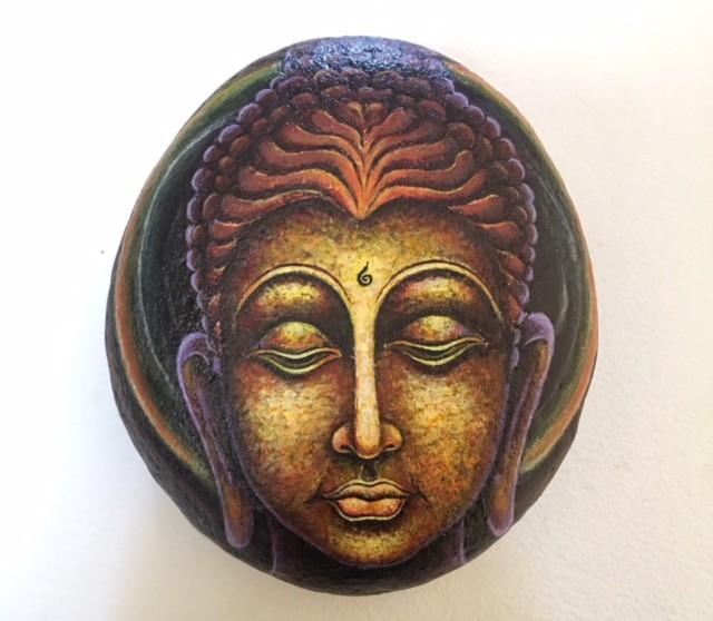 Bằng con mắt nghệ thuật, khi chọn đá người vẽ sẽ tiên đoán được trước nên chọn hình gì cho phù hợp