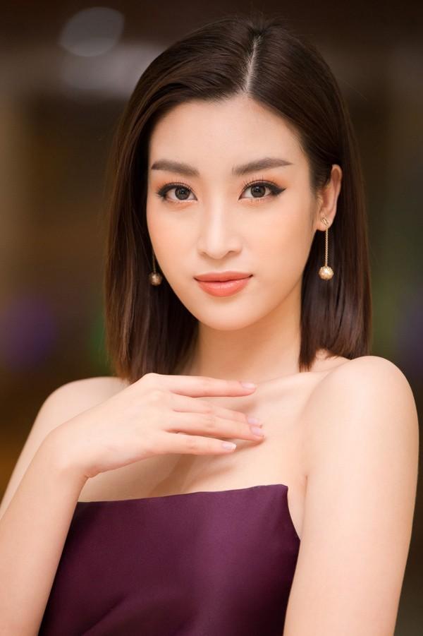 Gương mặt của Hoa hậu ngày càng cá tính sắc sảo.