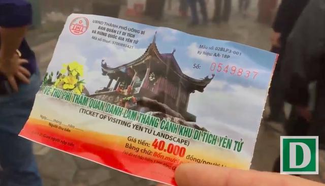Vé thu phí tham quan du khách phải mua để tiếp tục hành hương có giá từ 20.000 đến 40.000 đồng.