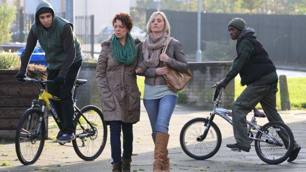 """Vai diễn thành công trước đó đã đem về cho Colman """" suất diễn"""" trong phim Bị cáo (Câu chuyện của Mo) mang lại cho cô giải thưởng truyền hình Bafta cho nữ diễn viên phụ xuất sắc nhất năm 2013."""