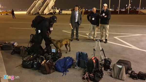Chó nghiệp vụ làm công tác an ninh tại sân bay Nội Bài.