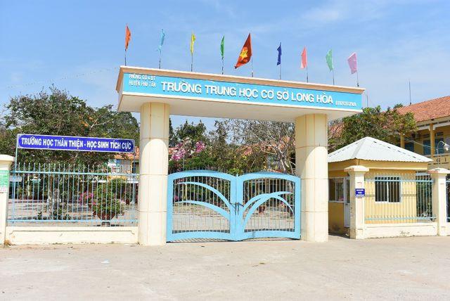 Trường THCS Long Hòa (An Giang) nơi xảy ra sự việc giáo viên đánh học sinh. Ảnh: TL