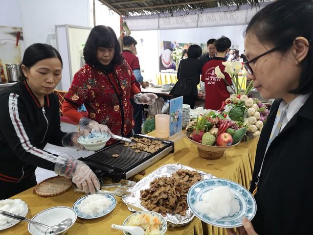 Bún chả, món ăn nổi tiếng của Thủ đô Hà Nội từng được Tổng thống Mỹ Barack Obama chọn thưởng thức khi tới Việt Nam được chọn phục vụ tại Trung tâm Báo chí Quốc tế.