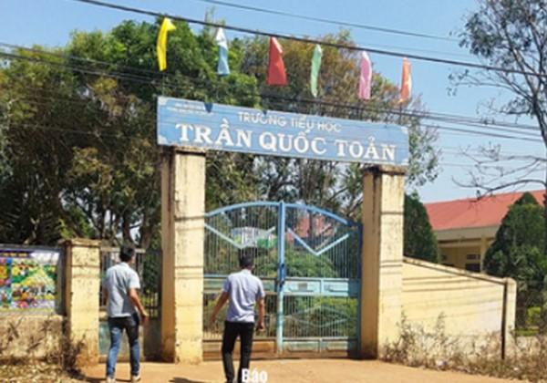 Trường Tiểu học Trần Quốc Toản, nơi em S. học và lên lớp dẫu không đọc, viết được. Ảnh: Người Lao Động.