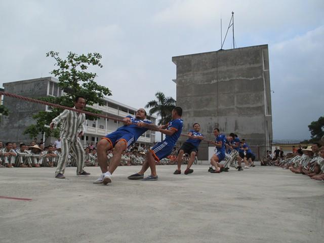 Các phạm nhân trại giam Quảng Ninh được tạo điều kiện tổ chức các hoạt động thể thao, vui xuân đón Tết.