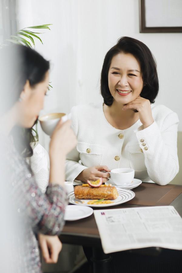 Cuộc sống của Dương Thuỳ Linh khá bận rộn nên thi thoảng vào dịp cuối tuần cô mới đưa chồng con về quây quần bên mâm cơm mẹ nấu. Mỗi năm cô cũng sắp xếp thời gian đưa cả nhà đi du lịch cùng nhau.