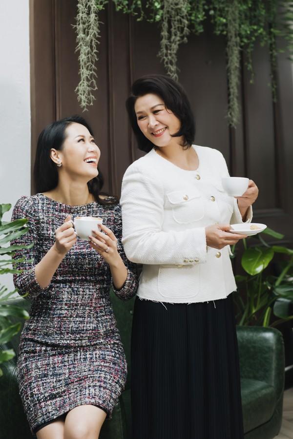 Dịp Tết Kỷ Hợi, Dương Thuỳ Linh dành trọn thời gian cho chồng con, gia đình hai bên nội, ngoại sau cả năm bận rộn làm việc.