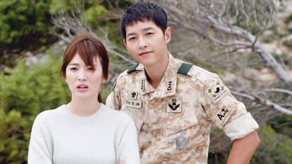 Song Joong Ki và Song Hye Kyo trong Hậu duệ mặt trời.