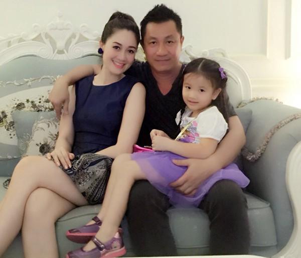 Gia đình hạnh phúc của Đàm Lưu Ly.