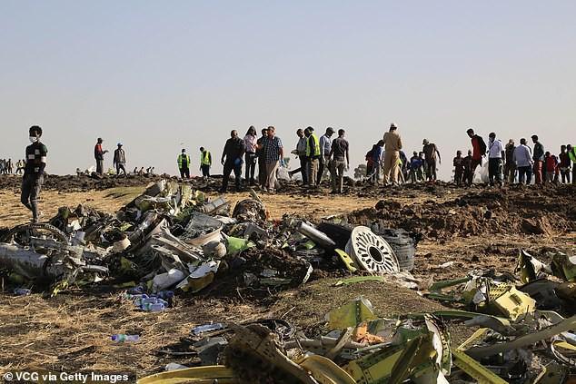 Hình ảnh tang thương của máy bay Boeing 737 MAX 8 trong vụ tai nạn diễn ra vào sáng 10/3.