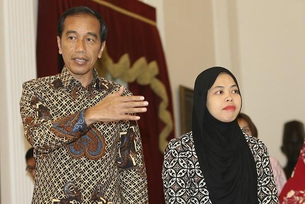 Aisyah đã gặp Tổng thống Indoneisa Joko Widodo. (Ảnh: AP)